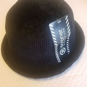 NWT Black Isotoner Chinelle Hat